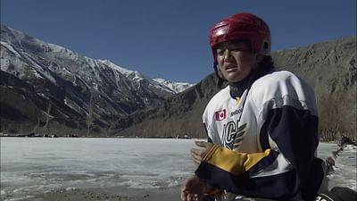 100 pro - Chuskit, Hockeyspielerin im Himalaya