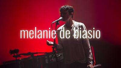 Mélanie de Biasio im Pariser Théâtre de l'Odéon