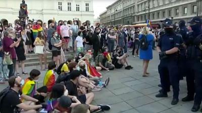 """LGBT-freie Zonen"" in Polen: Die EU protestiert"