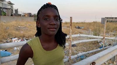 Kinderporträt: Flüchtlingskind Christivi auf Lesbos
