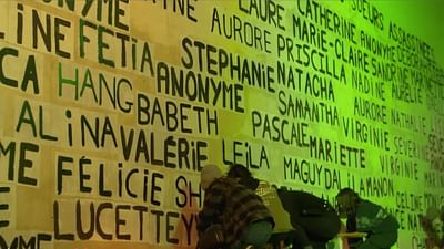 """Kleberinnen"": Gegen Gewalt an Frauen"