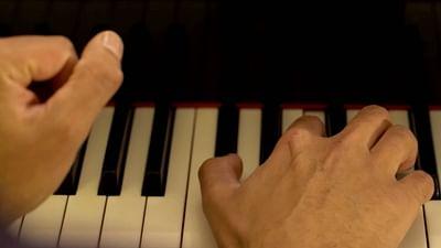 Großbritannien: Renommierter Pianist arbeitet im Supermarkt