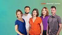 ARTE Journal Junior gibt's jeden Tag als morgendliche Nachrichtensendung für 10- bis 14-Jährige. Von Montag bis Freitag läuft die Sendung um 7:10 Uhr im Fernsehen und am Vorabend bereits ab 18:30 Uhr im Internet. Und jeden Sonntag zeigen wir euch das ARTE Junior Magazin – 15 Minuten mit Fragestunden von Schülerinnen und Schülern und Porträts von Kindern aus der ganzen Welt.