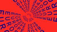 """Mit """"Europa 2019"""" ruft ARTE vor den Europawahlen ein Online-Magazin ins Leben, das in den kommenden Monaten die zentrale Anlaufstelle für Information, Orientierung und Austausch zu den Europawahlen auf ARTE sein wird. """"Europa 2019"""", das sind Reportagen, Analysen, Magazine, Dokumentationen und eigens für das Projekt produzierte Formate: In """"Europe to Go"""" berichten unsere Moderatorinnen Anja Maiwald, Loreline Merelle, Sira Thierij und Anne-Lyse Thomine darüber, was am Tag in Europa wichtig wird. In """"Hallo Europa"""" kommen Aktivisten, Künstler und andere EU-Bürger zu Wort. Außerdem gibt es hier ungewöhnliche oder witzige Fakten zu Themen, die den Kontinent und seine Bewohner heute bewegen."""