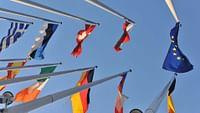 ARTE Journal unterwegs in den 28 Mitgliedsstaaten der Europäischen Union. Das Ziel: Den Puls der Länder spüren. Welche Themen bestimmen die öffentliche Debatte und beschäftigen die Menschen vor Ort?
