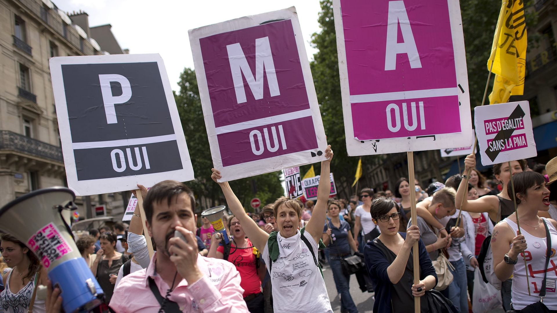 Künstliche Befruchtung: Frankreich nimmt Gesetz an