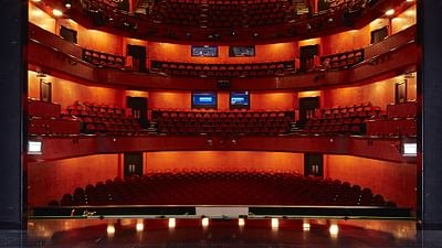 Lausanne Opera - Curtain up!