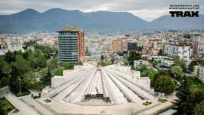 Albania: La pirámide del tirano