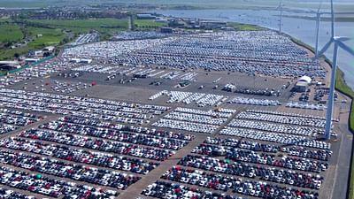 Dezoom - Le plus grand parking d'Europe