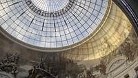 Revoir Le musée et le milliardaire anticonformiste en streaming