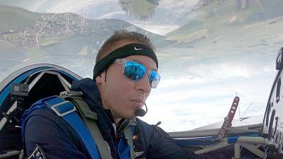 À 100% - Jonathan Vincent, passionné de voltige aérienne