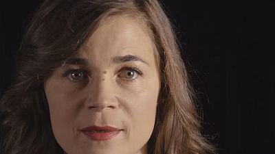 Blanche Gardin lit Houellebecq