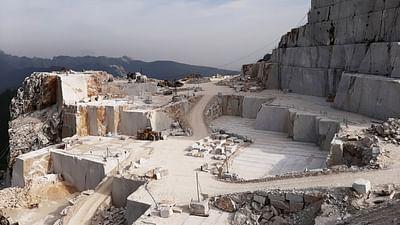 ARTE Regards - Le marbre de Carrare, une malédiction ?