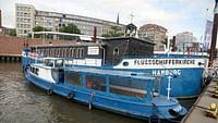 Geo reportage - port d'hambourg, un bateau-église insolite en streaming
