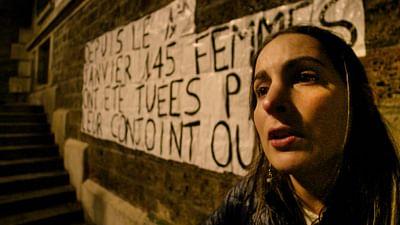 """""""PAPA IL A TUÉ MAMAN"""" : la révolte des Collages Féminicides"""