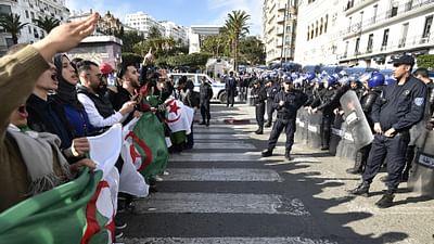 Algérie : les détenus de la révolution du sourire