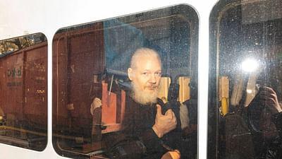 Pour Julian Assange, une pétition contre l'extradition - 28 Minutes
