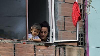 Colombie: Bogota, les chiffons rouges de la faim