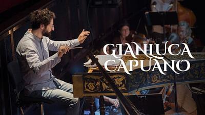 Gianluca Capuano dirige l'orchestre du Mozarteum de Salzbourg