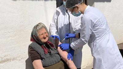 ARTE Regards - En Serbie, un vaccin pour tous