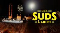"""""""Les musiques du monde transcendent les frontières."""" Voici le message des Suds à Arles, festival qui lutte contre le sectarisme en invitant pendant toute une semaine des artistes venus du monde entier.Photo © Florent Gardin"""