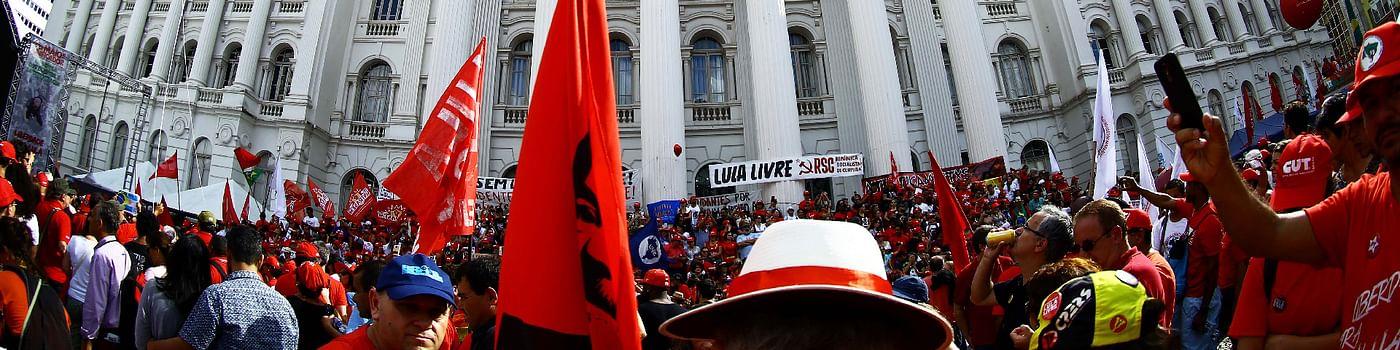 Brésil : violente campagne et scrutin incertain