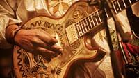 Musiques métissées et rythmes effrénés! Les artistes du continent africain sont à l'honneur. Angélique Kidjo, reine de l'afro-pop, Salif Keita, légende de la musique malienne, le chanteur et auteur-compositeur sénégalais Wally Seck, ou encore Faka qui fait vibrer les nuits de Johannesburg au son hybride du gqom… Tous revisitent les traditions africaines, voire les dynamitent!