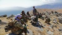 Après 18 ans de guerre, l'Afghanistan entrevoit-elle enfin la paix ? Les États-Unis et les talibans ont signé un accord le 29 février. En échange d'un retrait total des forces étrangères - dont les 13 000 soldats américains - d'ici quatorze mois, les talibans s'engagent à ne plus accueillir et soutenir des groupesdjihadisteset à participer à des pourparlers avec le pouvoir de Kaboul.