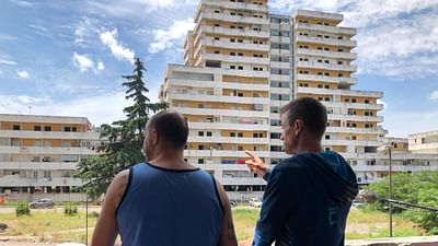 Napoli: la demolizione delle Vele di Scampia