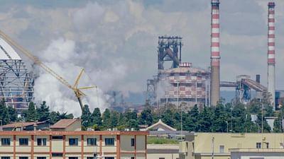 Taranto: da soli, contro il gigante dell'acciaio
