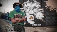 Bogotá è la metropoli sudamericana più creativa degli ultimi anni. La sua scena alternativa va dai quartieri più poveri a quelli più moderni: dopo 50 anni di guerra civile, i giovani impongono l'arte come unica arma per conservare la pace.