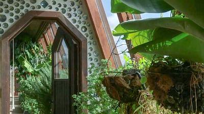 Taos, USA: Domy z odpadów