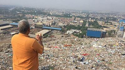 Indie: Ghazipur, pod górą śmieci