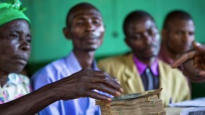 RD Konga: Pensja w gotówce